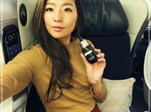 福田萌子,飛行機の中,愛用化粧水,画像